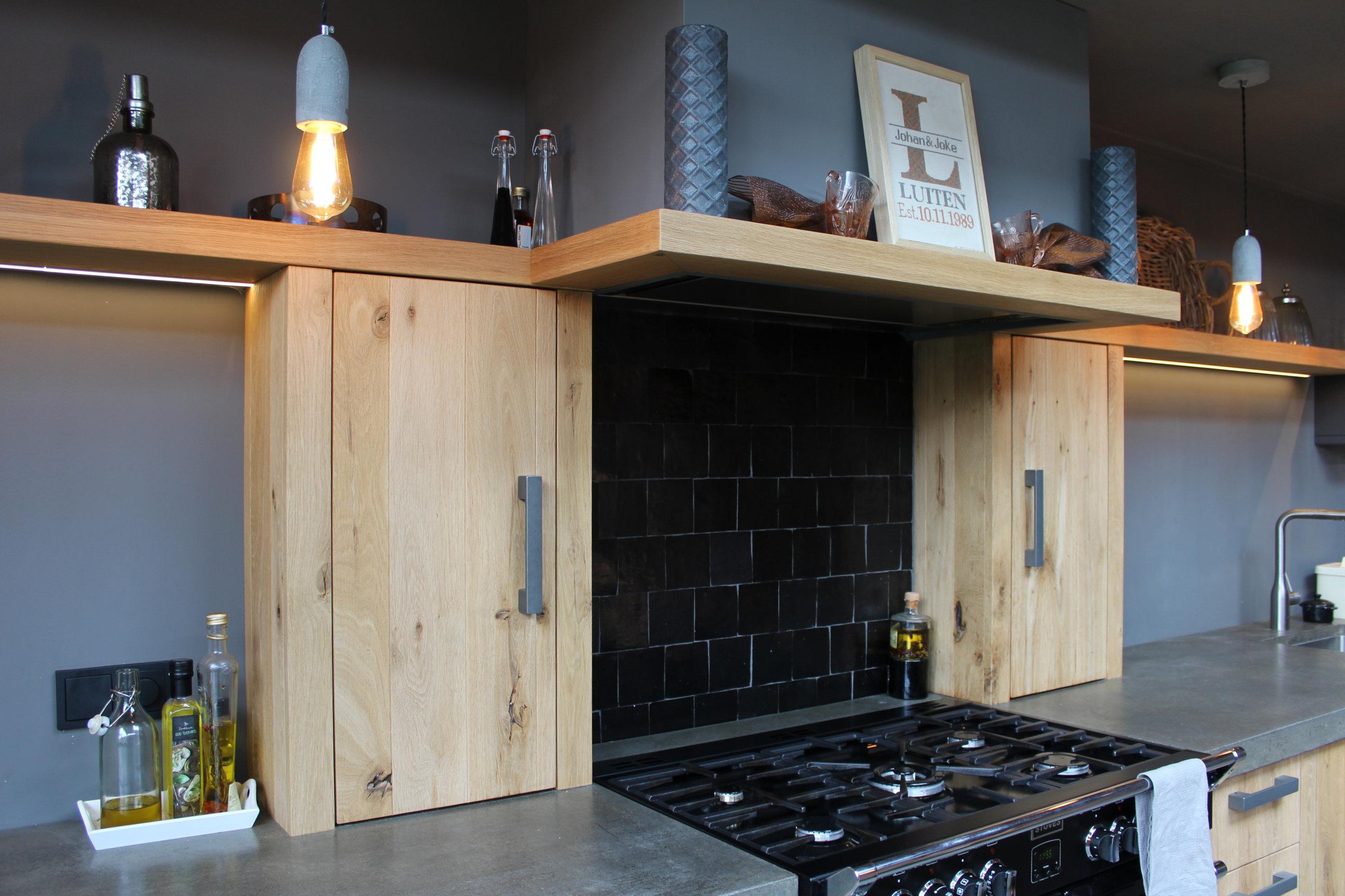 Keuken industri le stijl massief eiken geborsteld herald for Industriele stijl